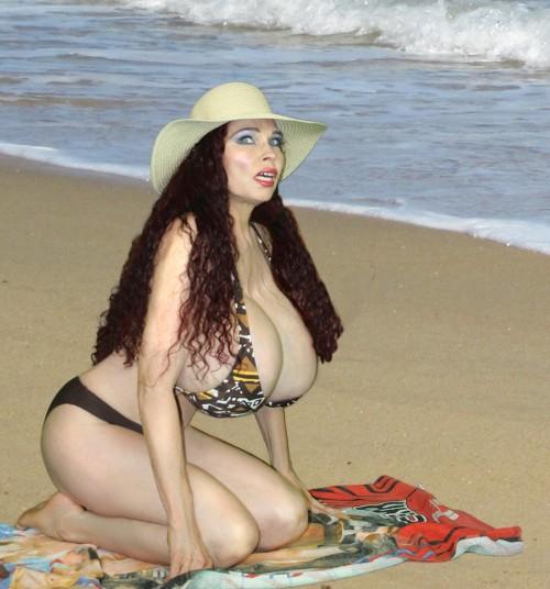 Teddi Barrett, the Sexiest Woman Alive and the model for Mordillo Blush by Edward Wozniak
