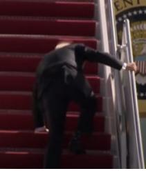 biden stumbling on plane stairs